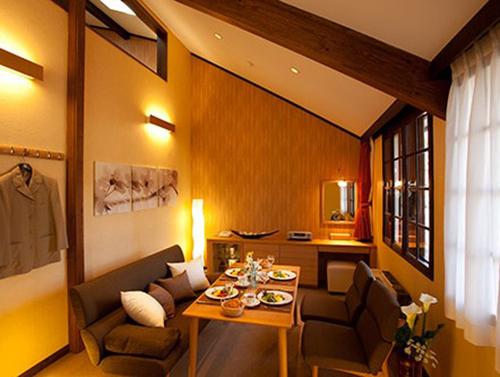 guestroom-surLIV