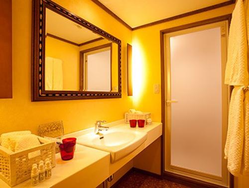 guestroom-surSNR